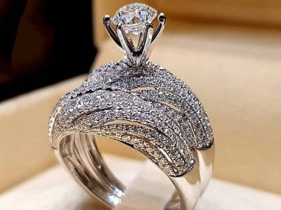 Diamond Engagement Ring/Wedding Band Set For Women