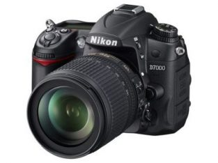 Nikon D7000 Digital SLR Camera With 18-105mm Lens