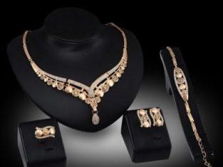 Fashion 4-in-1 Earring Necklace Bracelet Gold