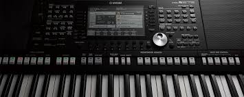 Yamaha PSR S775 Arranger Workstation Keyboard