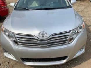 Toyota Venza 2010 AWD Silver