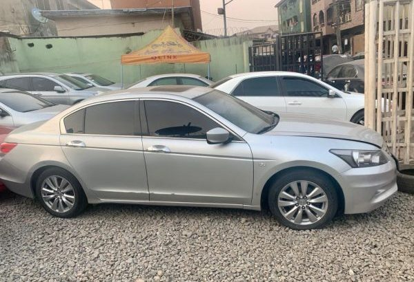 SELLING: Honda Accord 2011 Model Fullest option Sale