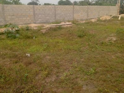 Land with excision in kaiyetoro ,eleko beach road.Amen estate neighborhood